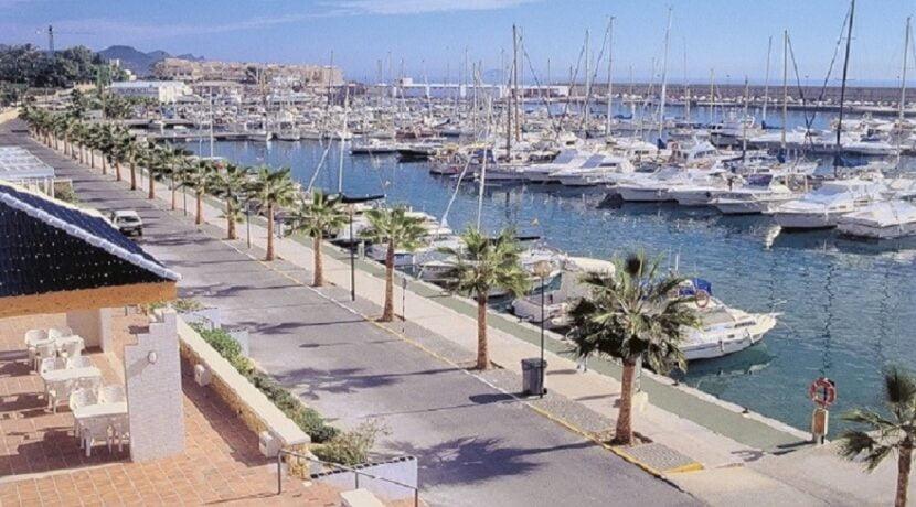 Villajoyosa 5-CN y puerto.jpg